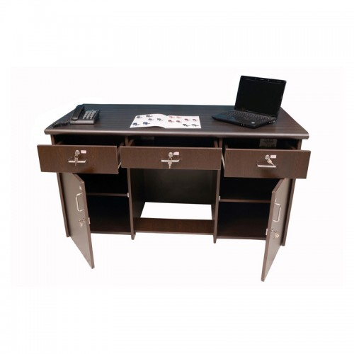 STAFF TABLE  DF-131