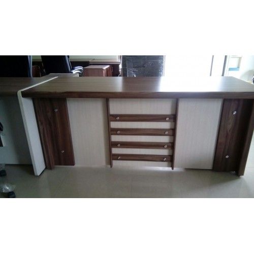 EXECUTIVE TABLE DF - 567