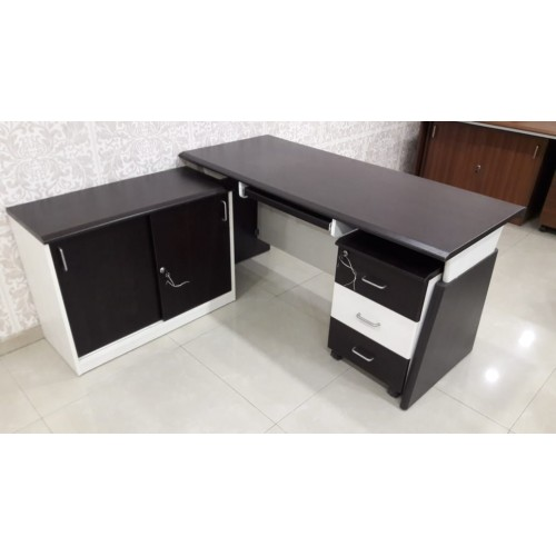 EXECUTIVE TABLE DF - 579